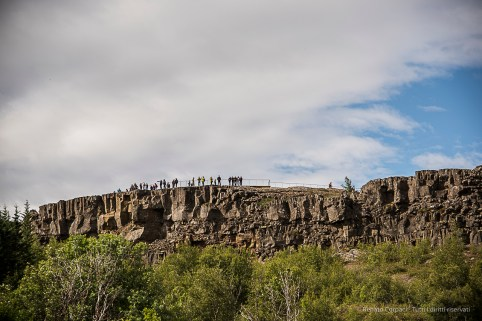 the Eurasian and North-American plate boundaries run through Iceland. In the south, the plates inch past each other, but at Þingvellir, they break apart and the land between subsides. Nikon D810, 85 mm (24-120.0 mm ƒ/4) 1/640 sec ƒ/4.5 ISO 64