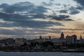 "Avenida del Puerto. Nikon D810, 85 mm (85.0 ƒ/1.4) 1/8"" ƒ/9 ISO 64."