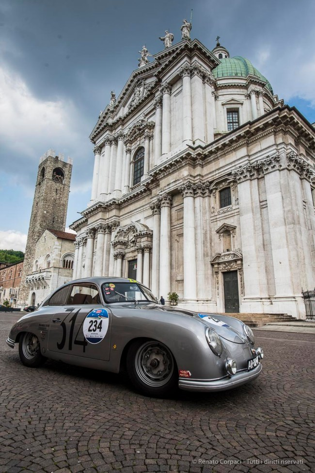 "A 1952 Porsche 356 1500. This same model, the first designed by Ferdinand Porsche, already raced the 1000 Miglia in 1952. Nikon D810, 20 mm (20,0 mm ƒ/1.8) 1/100"" ƒ/8 ISO 125"