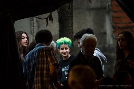 """Milano. Piccola scuola di circo. «Hypnos» - Spettacolo dei ragazzi delle scuole superiori. Nikon D750 400 mm (80-400.0 mm ƒ/4.5-5.6) 1/250"""" ƒ/5.6 ISO 6400"""