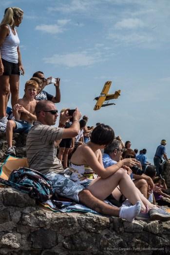 Air show. Manerba, Lake Garda 2016. Nikon D810, 50 mm (50.0 mm ƒ/1.8) 1/1600 ƒ/14 ISO 800