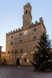 """Palazzo dei Priori in Volterra, built on the design of Palazzo Vecchio in Florence. Nikon D810, 24 mm (24-120.0 mm ƒ/4) 1/160"""" ƒ/4 ISO 64"""