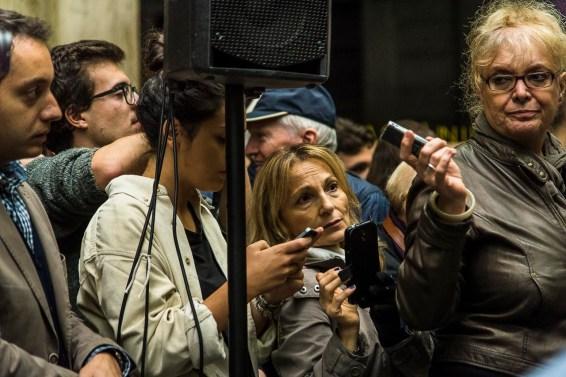 «Radio Popolare» envoy Tiziana Ricci (right).
