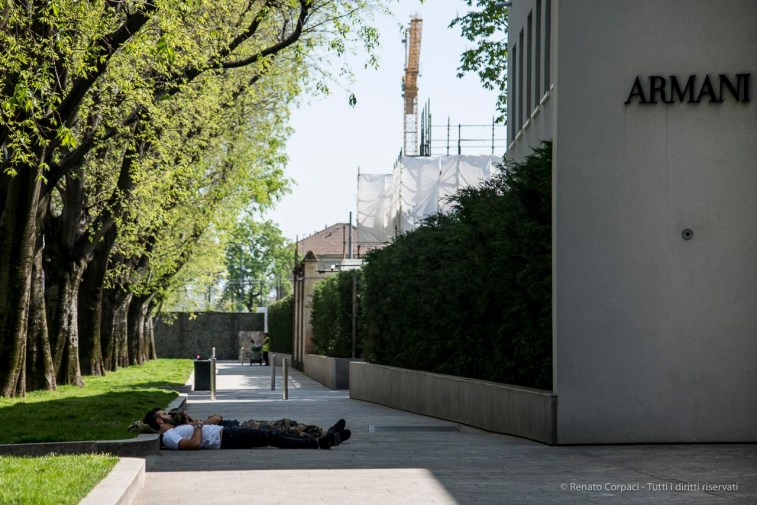 Taking a nap in the shadow of Armani/Silos, Milano Design Week 2018