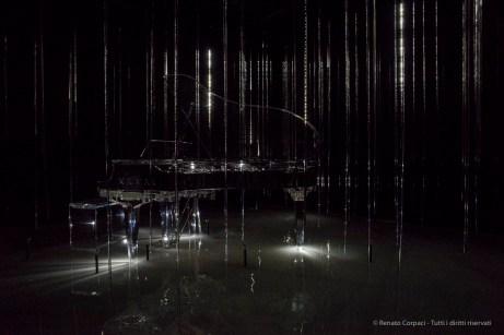 Kawai in collaborazione con l'artista della luce Takahiro Matsuo.