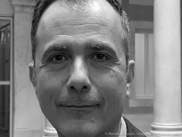 """Martin Bethenod, Director and CEO Palazzo Grassi - Punta della Dogana, curator. Venice, April 208. Samsung s8+ rear camera, 4.2 mm - 1/55"""" ƒ/1.7 ISO 320"""