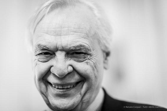 """Alexander Pereira, superintendent Teatro Alla Scala. Milano, December 2018.. Nikon D810, 85 mm (85 mm ƒ/1.4) 1/125"""" ƒ/1.4 ISO 500"""