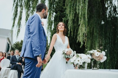 Sposi all'altare a Villa Roseto