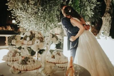 Taglio torta sposi Villa Roseto