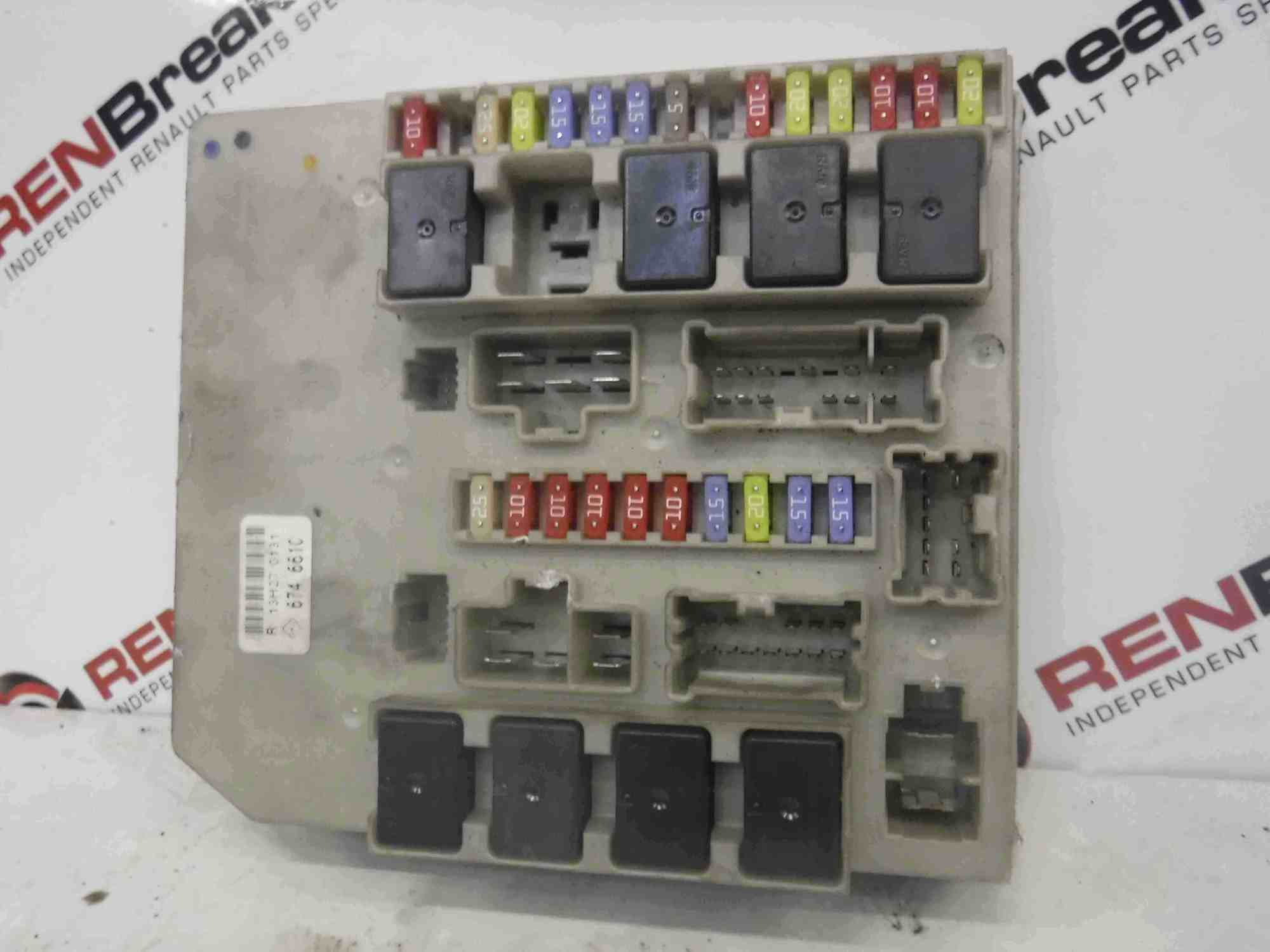 hight resolution of renault clio modus mk3 2005 2009 engine bay fuse box upc 674661