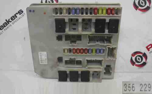 small resolution of renault clio mk3 modus 2005 2012 engine fuse box upc unit 356229