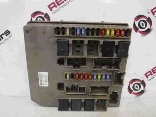 small resolution of renault clio mk3 modus 2005 2012 engine bay fuse box upc unit 674654