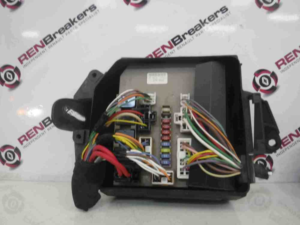 medium resolution of renault clio mk3 modus 2005 2012 engine bay fuse box upc unit 674658 store