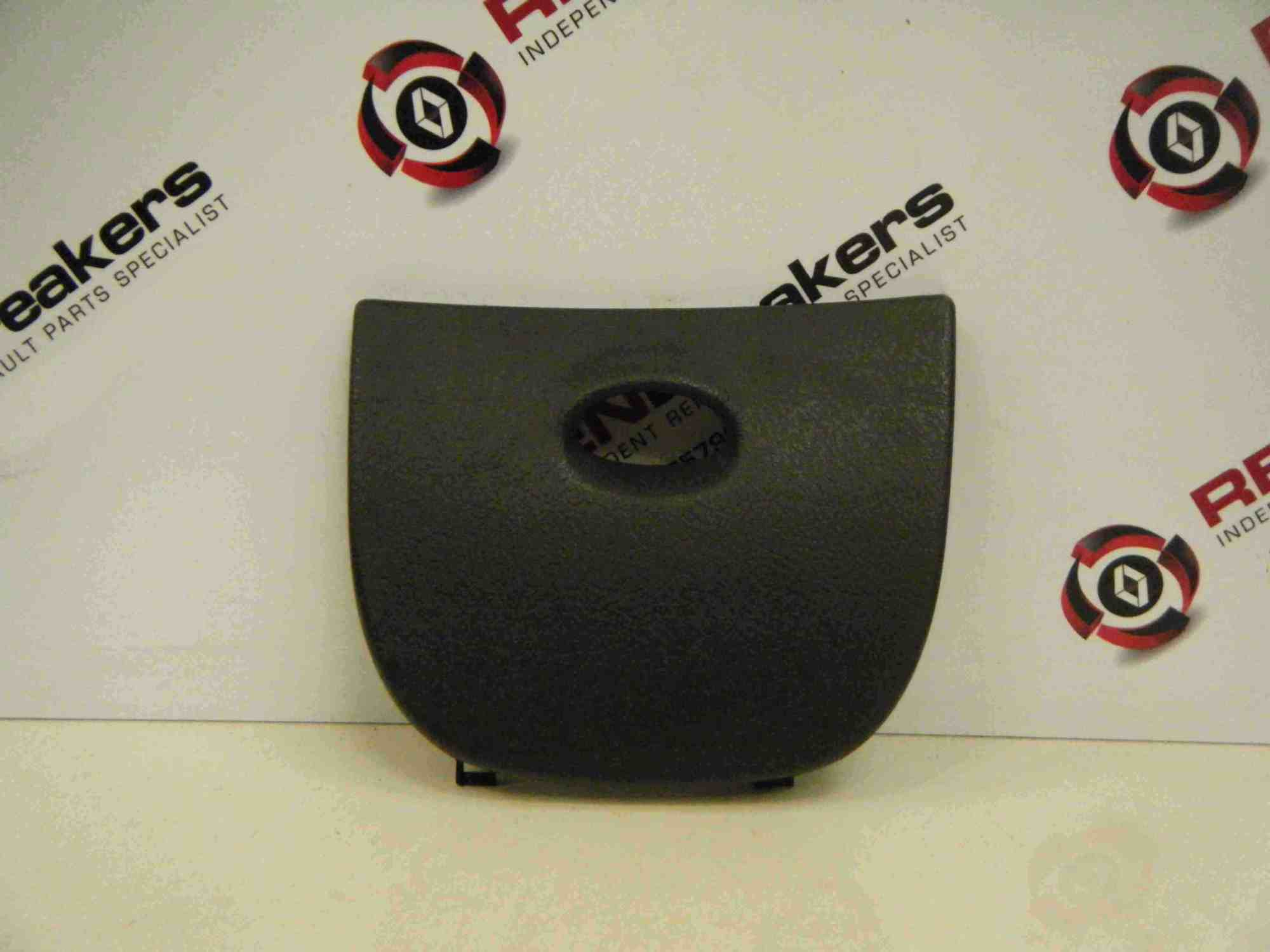 hight resolution of renault megane 1999 2003 fuse box relay cover plastic trim 2010 renault megane renault megane gt