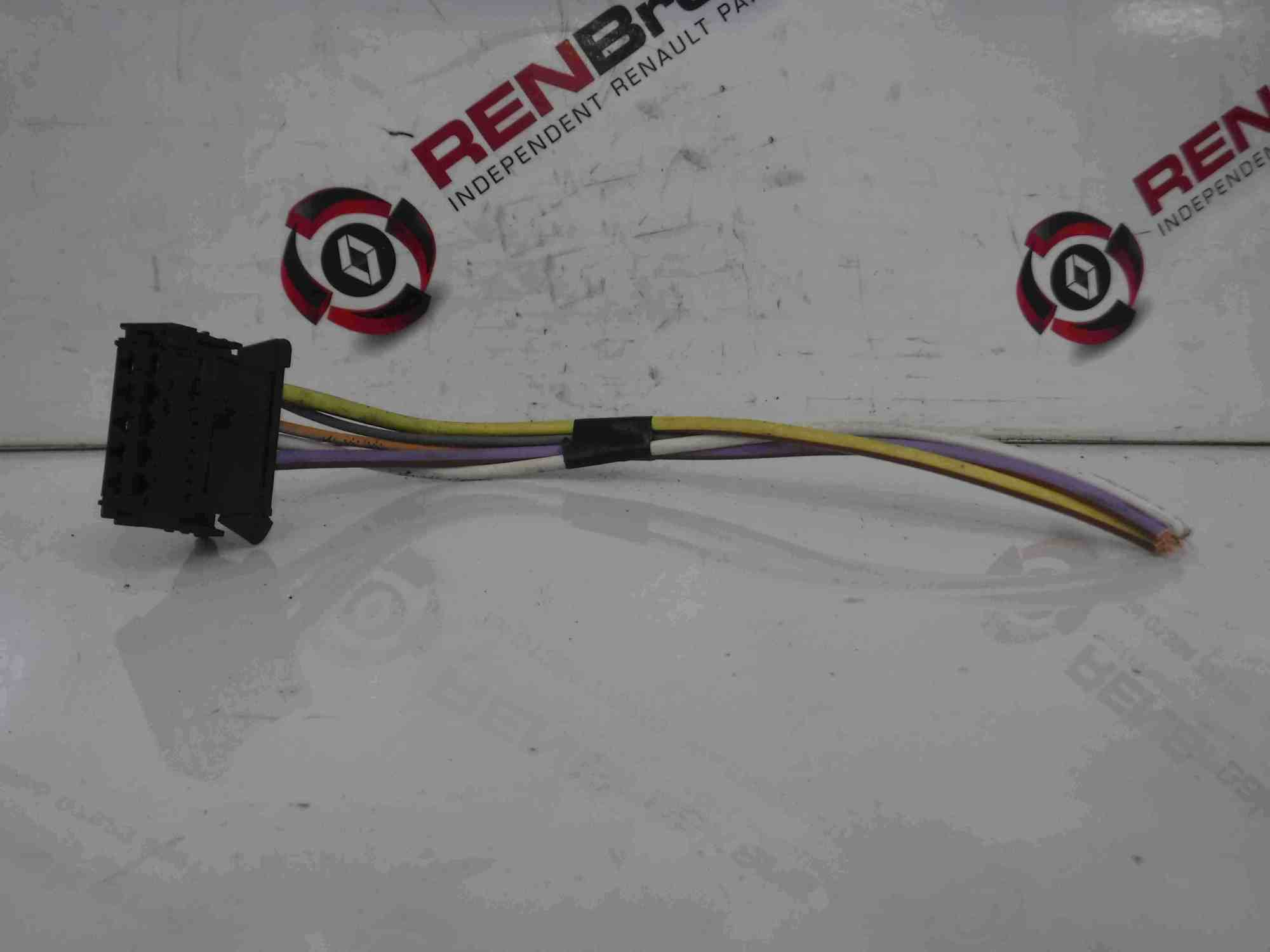 hight resolution of renault megane 2002 2008 heater blower resistor wiring loom plug wire store renault breakers used renault car parts spares specialist