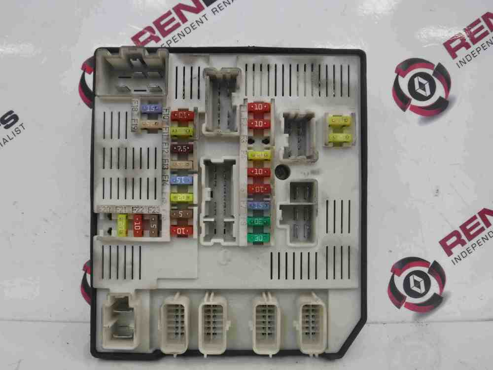 medium resolution of renault megane mk3 2008 2014 engine fuse box upc unit 284b61871r