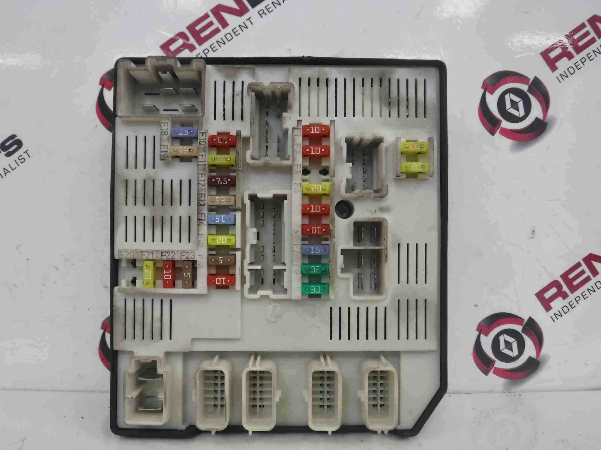 hight resolution of renault megane mk3 2008 2014 engine fuse box upc unit 284b61871r