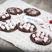 Homemade Mother's Day Chocolates – Puddles and Lollipops (that Dads can help with!)