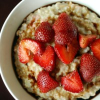 Balsamic Strawberry Oats