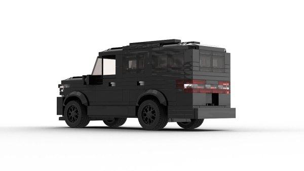 LEGO Lincoln Navigator 2020 model rear view
