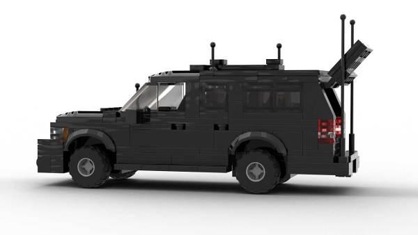 LEGO Chevrolet Suburban Secret Service Model With Opening Doors