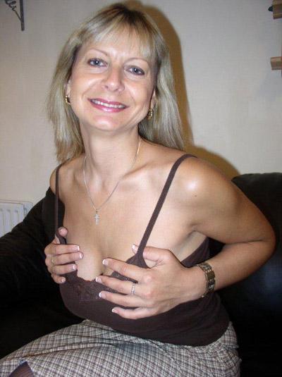 Femme célibataire 13
