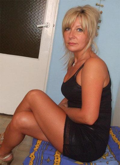 Jeune femme cherche homme pour plan baise gratuite  Plan
