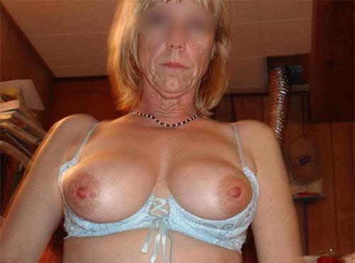 Gros seins naturels lesbiennes-8466