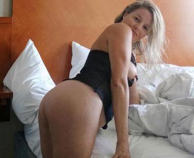 Femme mure rencontre jeune [PUNIQRANDLINE-(au-dating-names.txt) 25