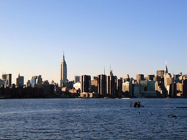 View from East River Park in Brooklyn, Rendezvous En New York,