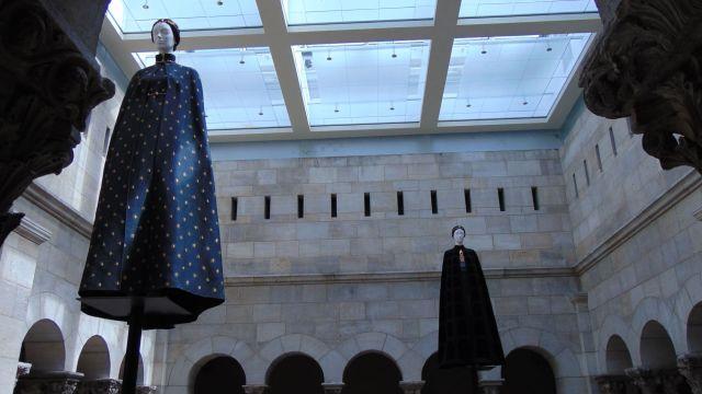 The Heavenly Bodies exhibit at the Met Cloisters, Rendezvous En New York