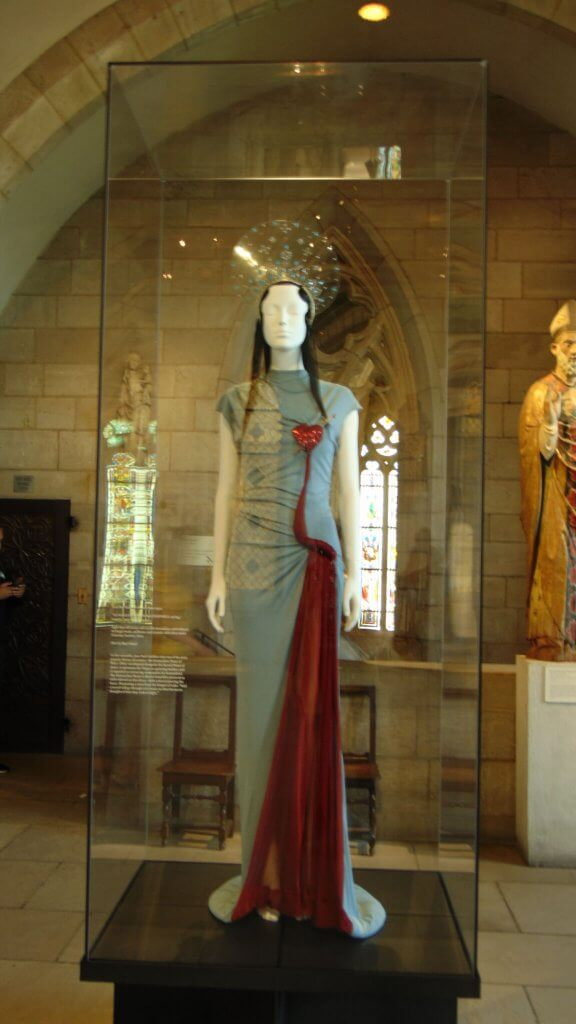 The Heavenly Bodies At the Met Cloisters, Rendezvous En New York
