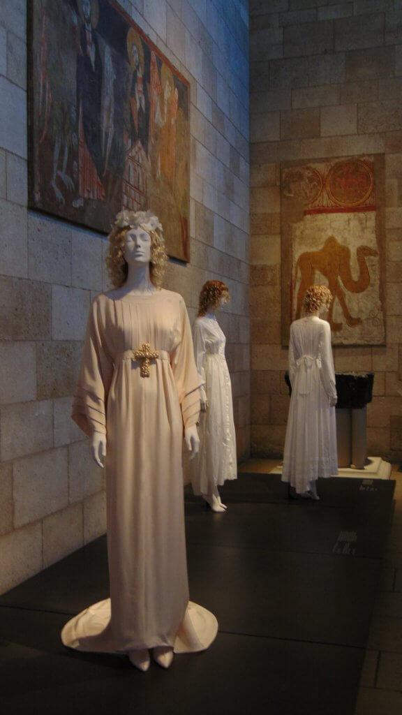 Heavenly Bodies The Met Cloisters, Rendezvous En New York