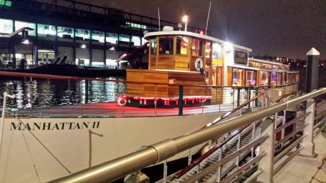 Cocoa and Carols Classic Harbor Line in NYC Rendezvous En New York