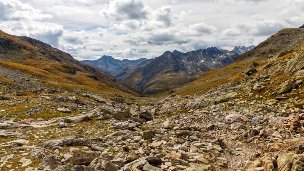Blick in die Engadiner Bergwelt vom Scalettapass