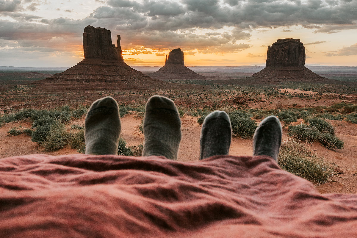 Van Life Monument Valley - Renee Roaming