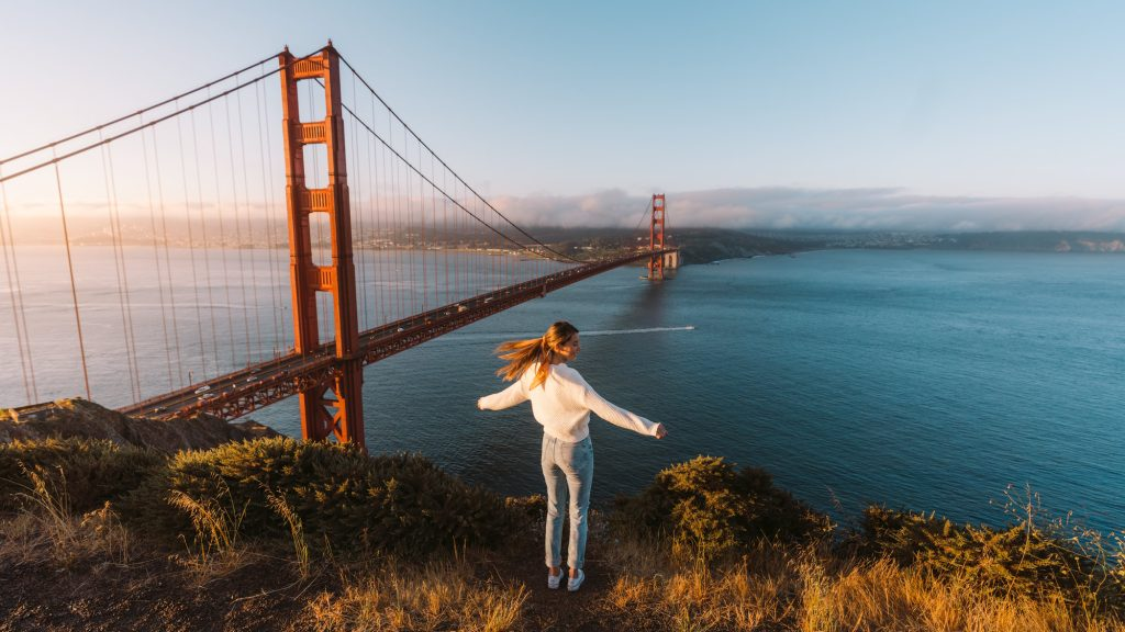 How-to-Spend-24-Hours-in-San-Francisco-Golden-Gate-Bridge-Renee-Roaming-Banner