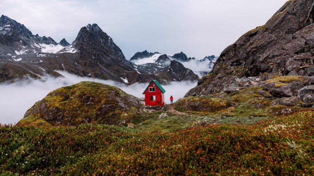 5-Epic-Alaska-Hiking-&-Backpacking-Adventures-ReneeRoaming-Banner