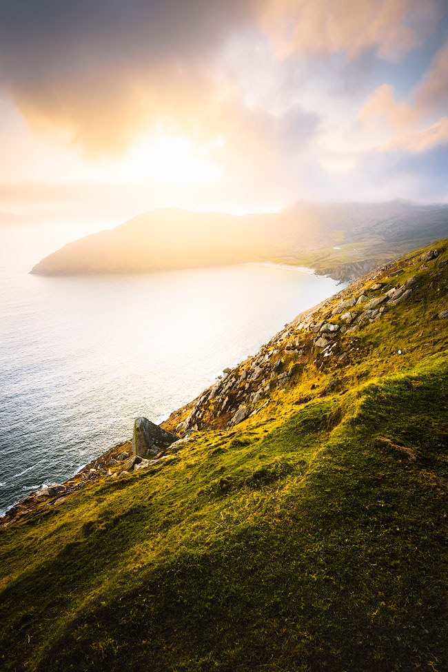 Ireland's Wild Atlantic Way is a breathtaking coastal route that's bursting with things to do, spectacular views, castles, and quaint towns. Find out some must-see stops for a week long Wild Atlantic Way road trip, starting in Dublin and ending near Galway! By Renee Roaming, your course for trip inspiration, destination guides, and dreamy travel photography.
