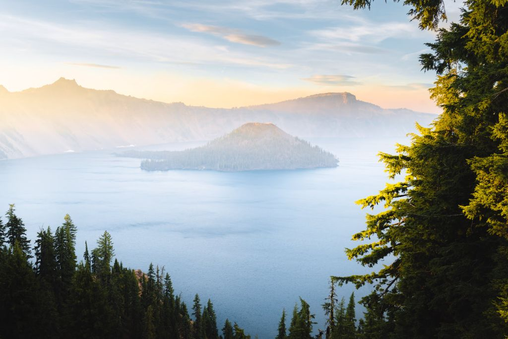 Scenic Oregon 7 Day Road Trip Exploring the Mountains and Coast - Crater Lake