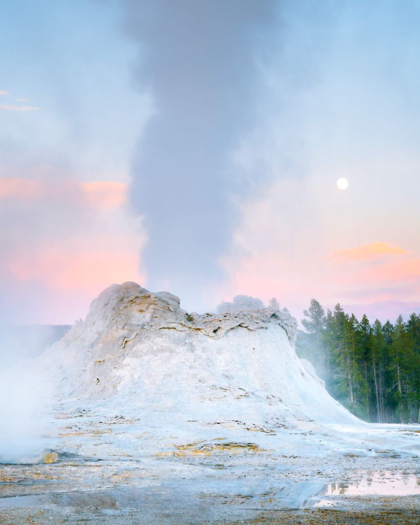 Ultimate Yellowstone National Park Guide and Itinerary - Castle Geyser