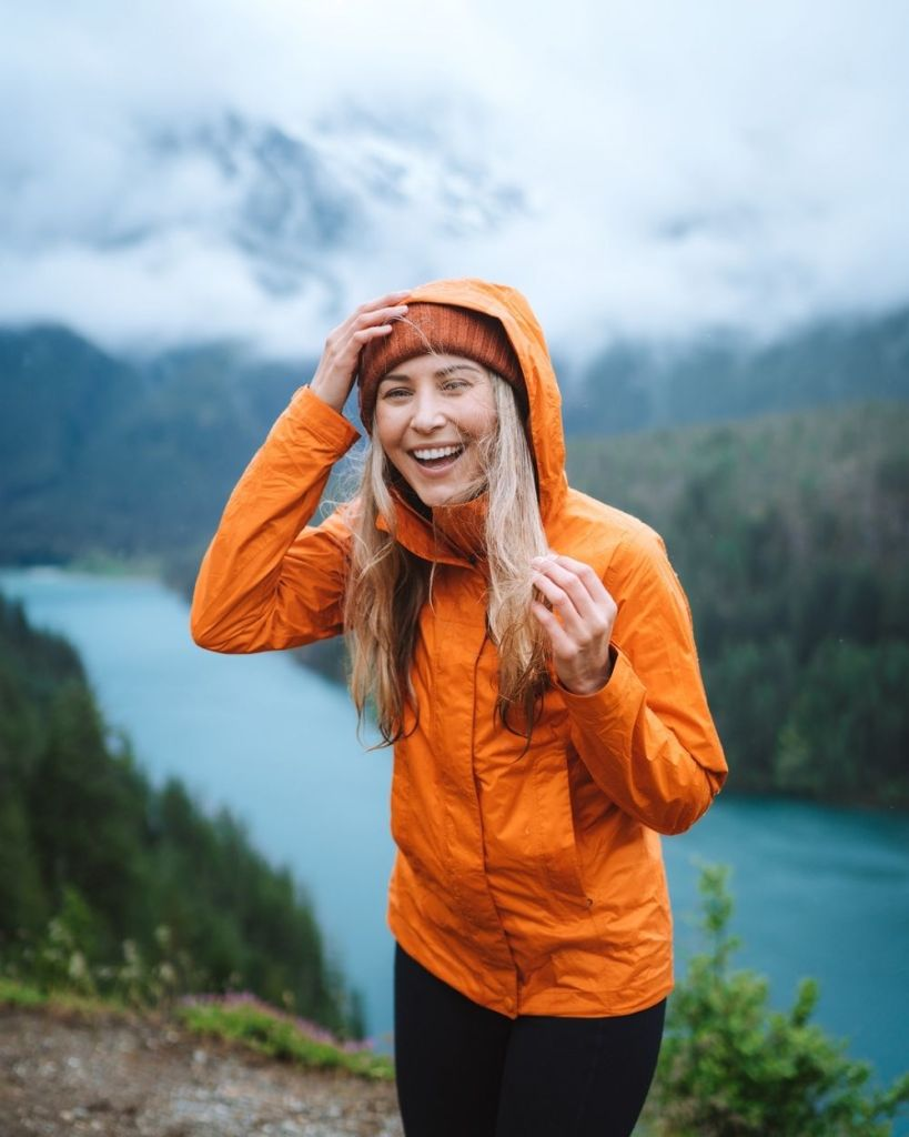 What to wear hiking as a woman - best rain jacket for women
