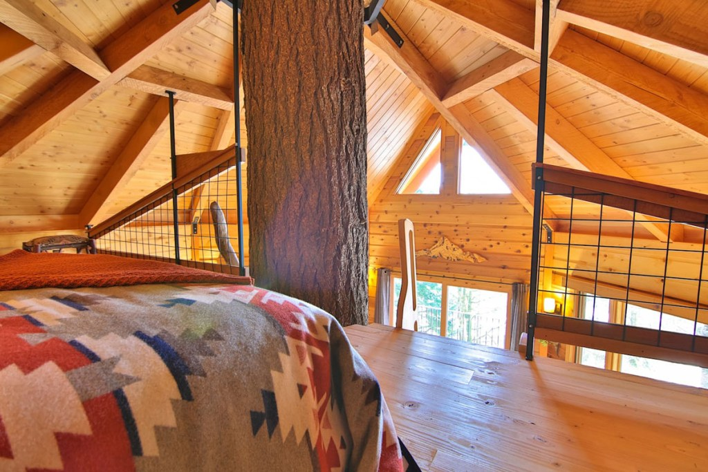 Magical Oregon Treehouses To Rent - Osprey Treehouse