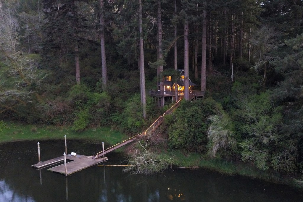 Oregon Treehouses to Rent - Cabin In The Trees