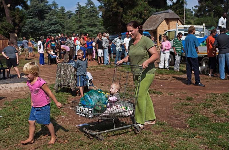 Billedresultat for White Squatters camps in south africa