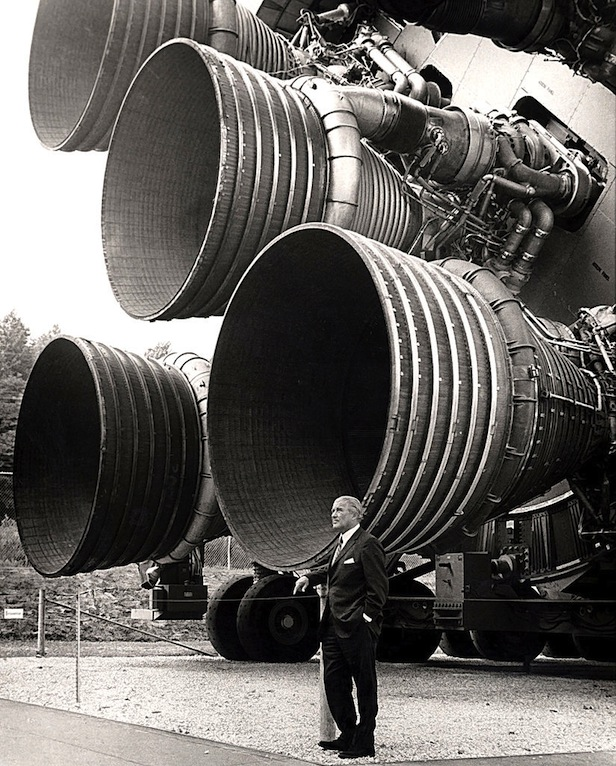 824px-s-ic_engines_and_von_braun