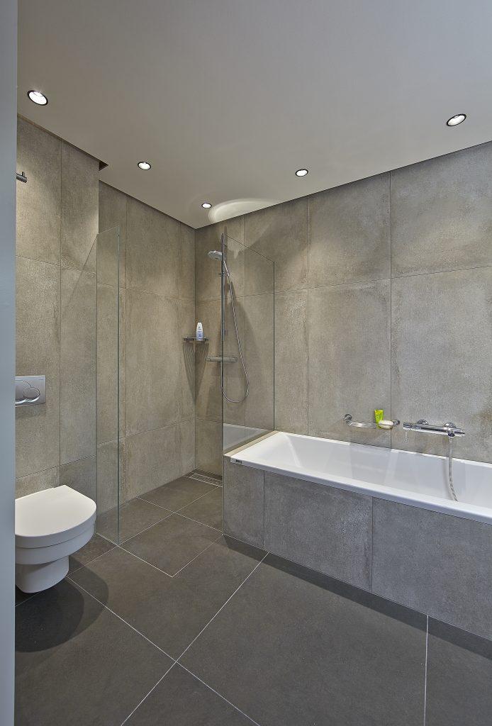 Een natuursteen badkamer hoe maak je de juiste keuze