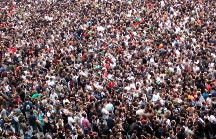 موضوع تعبير عن الزيادة السكانية باللغة الإنجليزية.