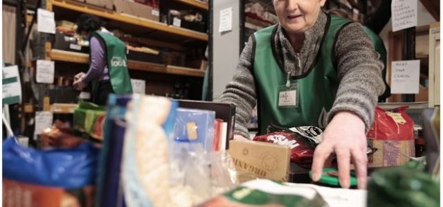 Local Taxi firm offer free transport for food bank helpers