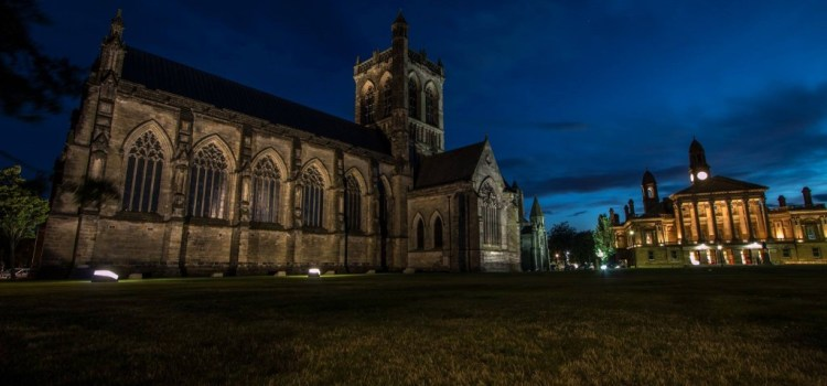Renfrewshire residents invited to Paisley Abbey Paris vigil